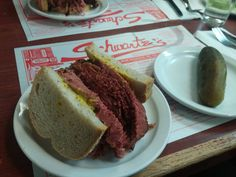 Smoked meat sandwich from Schwartz's in Montreal [I ate] http://ift.tt/2e4u2Qh