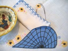 Vintage Cotton Bridge or Card Tablecloth and  2 Napkins--Cute Blue Baskets that Tuck into the Corners