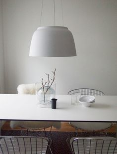 dining area: white