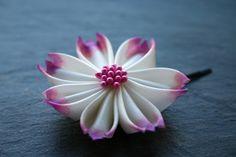 Kanzashi-Blüte aus Seide, handbemalt, Haarblüte