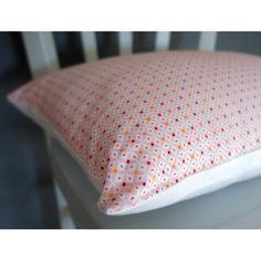 Coussin graphique en lin blanc et coton rose