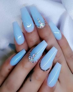 Cute baby blue coffin nails with diamonds - Nails Blue Gel Nails, Blue Coffin Nails, Light Blue Nails, Periwinkle Nails, Baby Blue Nails With Glitter, Blue Acrylic Nails Glitter, Silver Nails, Glitter Shoes, Pink Glitter