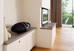 Zeppelin Air - Bowers & Wilkins It does not only bring good sounds to house but also some stylishness