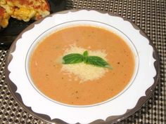 Slow-Cooker-Tomato-Basil-Soup-1