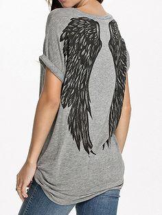 Shop Camiseta Gris Manga Corta Estampado De Alas from choies.com .Free shipping…