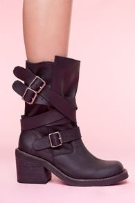 boots by nasty gal