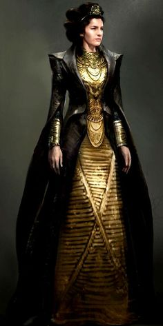 gold (Dark Queen costume?) ((Actually remidns me of Tevinter, sort of))