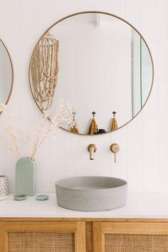 Badges / bathroom tiles / bathroom decor / bathroom design / ABI Interio … – New ideas – Artsupplies Modern Bathroom Design, Bathroom Interior Design, Modern Bathrooms, Interior Decorating, Interior Ideas, Gypsy Decorating, Interior Office, Interior Colors, Interior Plants