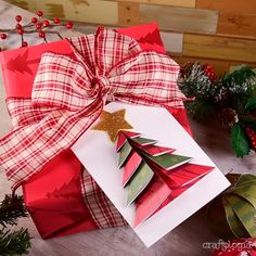 Discover recipes, home ideas, style inspiration and other ideas to try. Christmas Origami, Diy Christmas Cards, Homemade Christmas Gifts, Christmas Crafts For Kids, Holiday Crafts, Meery Christmas, Beautiful Christmas Cards, Simple Christmas, Kindergarten Christmas Crafts