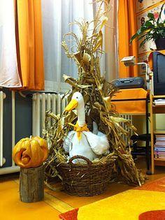 """Képtalálat a következőre: """"márton napi dekoráció"""" Fall Halloween, Grapevine Wreath, Grape Vines, Origami, Diy And Crafts, November, Autumn, Projects, Gifts"""