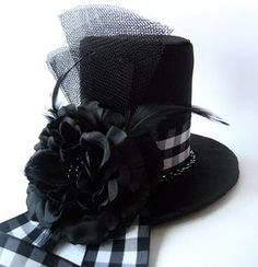 First worn in the 1790's on the streets of London, the top hat initially caused a major stir. The infamous piece of headwear not only turned heads, but even made women faint at the very sight. Flash forward to the 1800's, all men from all walks of life wore the top hat on a regular basis. To distinguish themselves from the rest of the population, the upper class often customized their hats by incorporating luxurious materials such as fur to single them out.