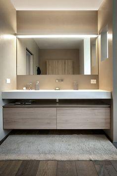 Blindsiding Ideas: Contemporary Wallpaper Light Fixtures contemporary bathroom n. Modern Contemporary Bathrooms, Contemporary Wallpaper, Modern Bathroom Design, Bathroom Interior Design, Contemporary Decor, Modern Kitchens, Modern Bedrooms, Contemporary Chandelier, Contemporary Building