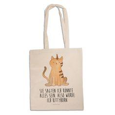 Tragetasche Unicorn Katze mit Spruch aus Kunstfaser Natur - Das Original von Mr. & Mrs. Panda. Diese wunderschöne Tragetasche von Mr. & Mrs. Panda im Jutebeutel Style ist wirklich etwas ganz Besonderes. Mit unseren Motiven und Sprüchen kannst du auf eine ganz besondere Art und Weise dein Lebensgefühl ausdrücken. Über unser Motiv Unicorn Katze mit Spruch Das Kittyhorn ist das wohl magischste Haustier überhaupt. Perfekt für diejenigen, die nicht wissen, wen sie lieber haben: Einhörner oder