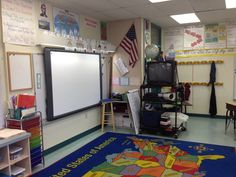 Ideas for classroom arrangement and decoration: photos of different classrooms over the years.