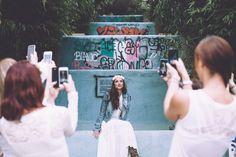 Robe de mariée et veste en jeans: Laurence Revol pour Epouse-moi cocotte •http://epousemoicocotte.com/