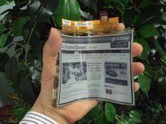 flexible e-paper ... like Caprica! go LG :) #gadgets