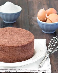 You only need 4 ingredients (eggs, granulated sugar, cake flour and unsweetened cocoa powder) to make this delicious chocolate cake. #baking #cake #chocolate #chocolatecake #italianfood #italian #italianrecipes #spongecake | aseasyasapplepie.com