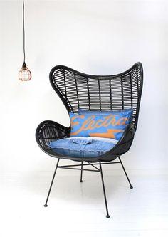 Sessel aus Rattan und Holz