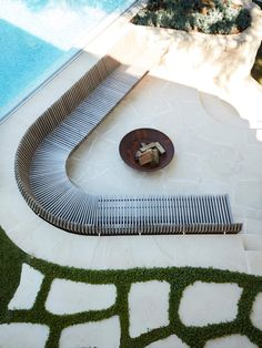 Tribute House by Alwill Interiors and Luigi Rosselli Architects Pool Bar, Pool Lounge, Lounge Chairs, Outdoor Rooms, Outdoor Gardens, Outdoor Living, Outdoor Decor, Patio Design, Diy Design