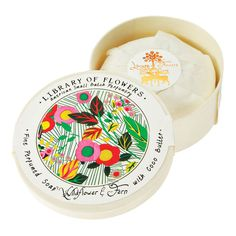 Fragrant and refreshing. Inspired by the art of handcrafted soap an ultra-rich coco butter base is infused with choice botanicals for the ultimate moisturizing clean. Striking the perfect balance between cleansing and skin-softening. The result: skin that's smooth calm and collected. 6 oz (170 g)