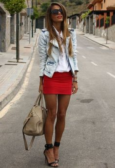falda mini y mezclilla