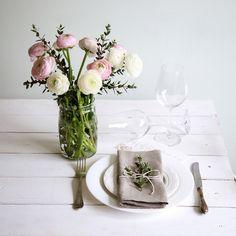Grau Leinen Abendessen Stoffservietten 6er-Set. Sorgfältig in Handarbeit aus dem Stoff höchster Qualität Leinen. Leinen Servietten sieht natürlich, organisch und rustikal und gut für ihre...