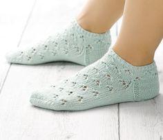 Knit sneaker socks – knitting instructions via Makerist. Crochet Socks, Knitting Socks, Knit Crochet, Short Socks, Knit Sneakers, Grey Yellow, Knitting Patterns, Wool, Fashion
