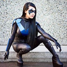 """Lives are in jeopardy & life trumps death every time."" Nightwing #Batman Cosplay @VampyBitme Mask By @ReevzFX"