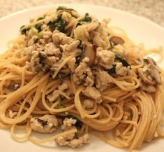 im gonna make this tomorrow... almost-cream ground turkey with pasta and spinach