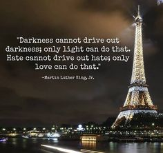 Beautiful inspirational Martin Luther King Quotes on love, life, leadership, and education. The most famous Martin Luther king quotes with images to share. Mark Twain, Yoga Nantes, Great Quotes, Inspirational Quotes, Motivational Quotes, Uplifting Quotes, Awesome Quotes, Tutorials, Patterns