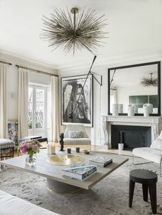 Gorgeous Modern French Interiors Pics - Home Professional Decoration Modern French Interiors, French Interior Design, Contemporary Interior Design, Interior Design Inspiration, Modern French Decor, French Chic, French Country, French Style Decor, Contemporary Apartment