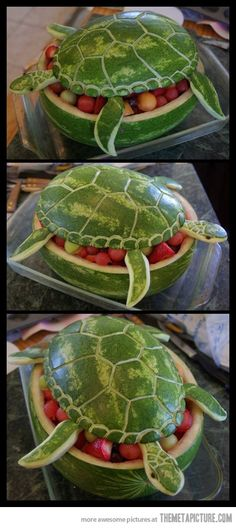 Watermelon Turtle Art... this has to be the coolest and weirdest thing ive ever seen... mind blowing.