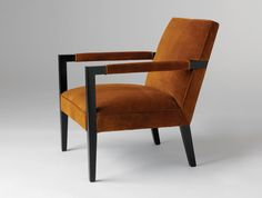HOLLY HUNT chair. Available at the DD Building suite 503/605 #ddbny #hollyhunt