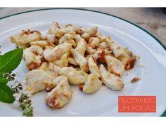 Iscas de frango com requeijão