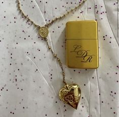 Cute Jewelry, Jewelry Accessories, Jewlery, Beaded Jewelry, Arrow Necklace, Pendant Necklace, Hello Kitty, Old Money, Oui Oui