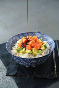 Du riz dans le Chirashi au saumon, avocat et graines de sésame | Amuses Bouche