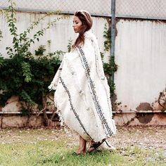 Warm ...#handira #weddingblanket #bakchic #fashion #love