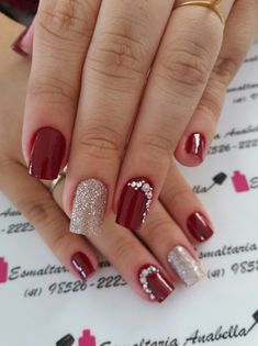 Unhas foscas, unhas vermelhas, jóias de unhas, belas unhas decoradas, u Cute Nails, Pretty Nails, My Nails, Manicure Colors, Nail Colors, Manicure Ideas, Red Manicure, Holiday Nails, Christmas Nails