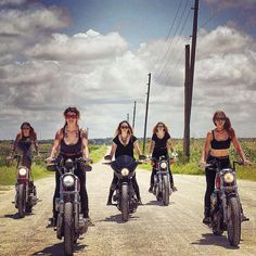 Hot Chicks on Hot Bikes - Page 266 - The Sportster and Buell Motorcycle Forum Lady Biker, Biker Girl, Biker Photoshoot, Born To Be Wild, Vintage Pin Ups, Big Boyz, Motorbike Girl, Motorcycle Girls, Enjoy The Ride