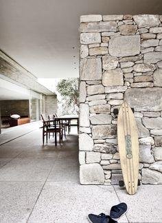 Rough Stone Wall Ideas//