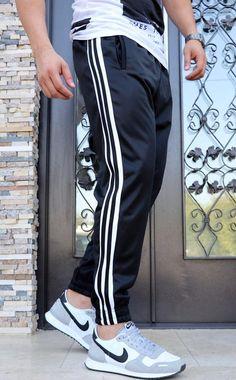 Pantaloni Trening `3 STRIPES` - NEGRI (Cod: JOG05) - haine barbati Joggers, Sweatpants, Nicu, Cod, Stripes, Mens Fashion, Collection, Athletic Clothes, Hs Sports