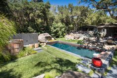 Dip-a-Dee-Doo-Ahhh . The best weekends include a lot of pool time. Inspiration: California Pools - Austin, TX and Andrea Calo Photography Austin Real Estate, Austin Tx, California Pools, Small Pools, Pool Ideas, Backyard Ideas, Endless Pools, Swim Workouts, Castle