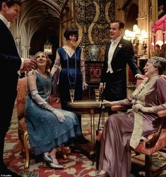 Candid snaps give fans behind-the-scenes look at Downton Abbey The Movie | Daily Mail Online