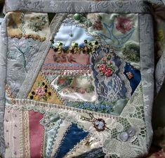 I ❤ crazy quilting . . .   in the air shoulderbag