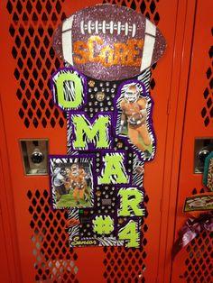 Locker decoration week 5 Football Locker Signs, Football Locker Decorations, Volleyball Locker, Football Crafts, Football Cheer, Football And Basketball, Football Season, Cheer Posters, Posters Diy