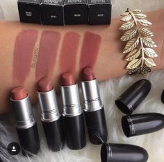 A few MAC pinky-nudes top ponder : Velvet Teddy • Spirit • Mocha • Retro
