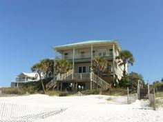 Ramblin' Wreck - Florida Family Vacation Home Rentals Forgotten Coast St. Joe Beach lots of sleep room