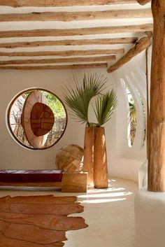 A straw bale house is an eco-friendly building you will fall in love with. Light, sustainable, resistant and featuring a rustic flavor, the construction ha Earthship, Home Interior Design, Interior And Exterior, Interior Decorating, Adobe House, Natural Homes, Earth Homes, Natural Building, Eco Friendly House