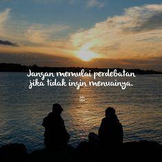 """""""Jangan memulai perdebatan jika tidak ingin menuainya. """" . .  kiriman dari @putrialya393 . .  Tag like dan comment.  Kirim (DM /Like) kata-kata buatanmu ya.  #katakata #quotes #quotesoftheday #pathdaily #pathindonesia #yangterdalam #pecahankaca #catatanfilm #melodydalampuisi #sajak #puisi #sastra #kutipan"""
