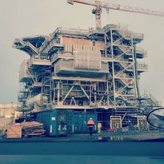 #work #onsiteoperation #oneofakind  #engineering #oil #northsea #powertransmission #electricity #power #transformer #windmill #windpower #gogreen #transformationstation